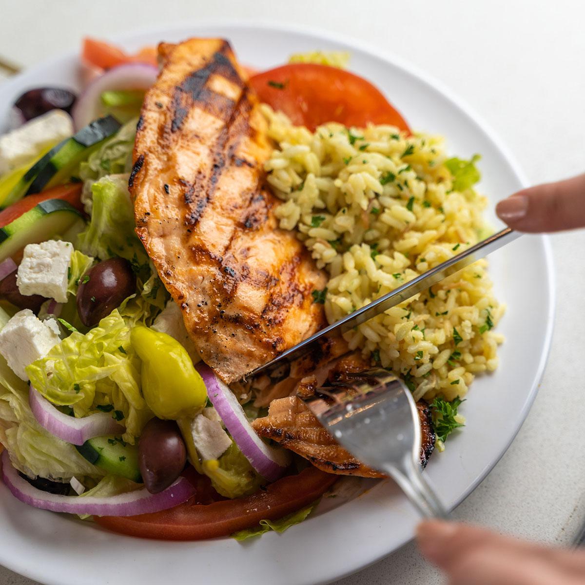 keto diet friendly grilled salmon